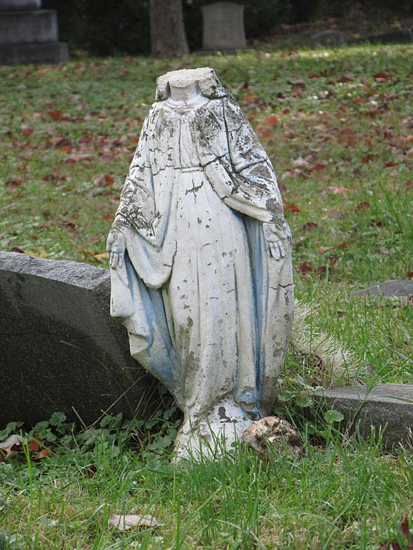 Headless Virgin Mary (November 2017, Aspin Hill Memorial Park)