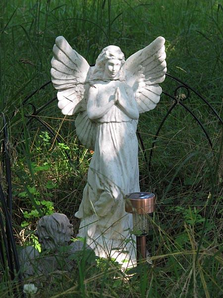 Angel statue. (February 2013)